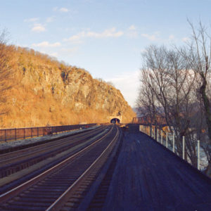2009 : Harpers Ferry Train Tunnel below Maryland Heights cliffs